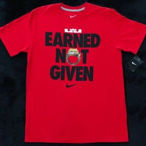 NIKE LEBRON JAMES EARNED NOT GIVEN SHIRT RARE! NWT